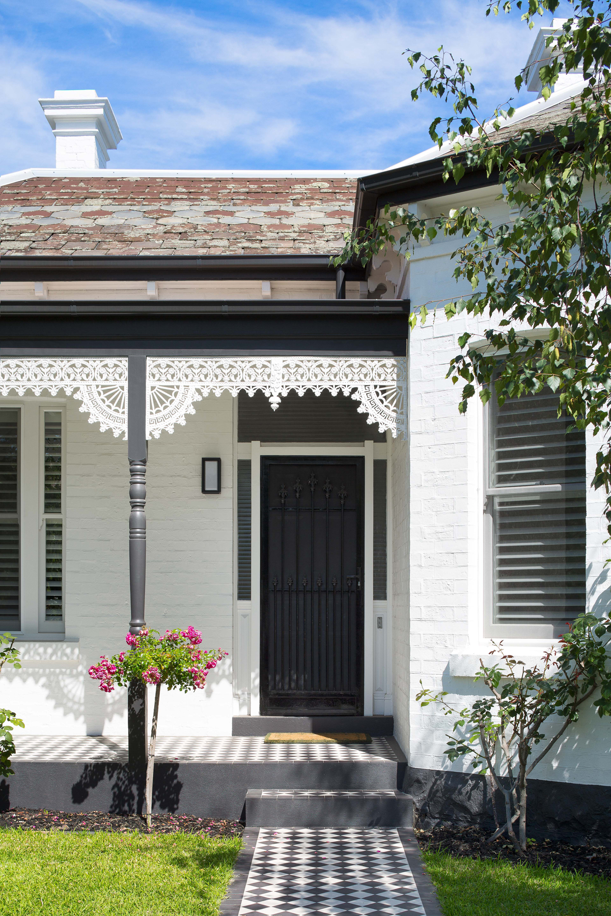 Front image of a heritage home